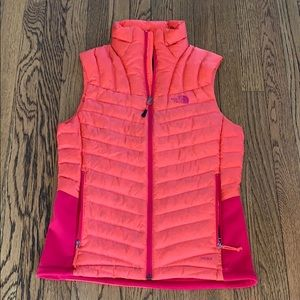 The North Face 700 full down vest small